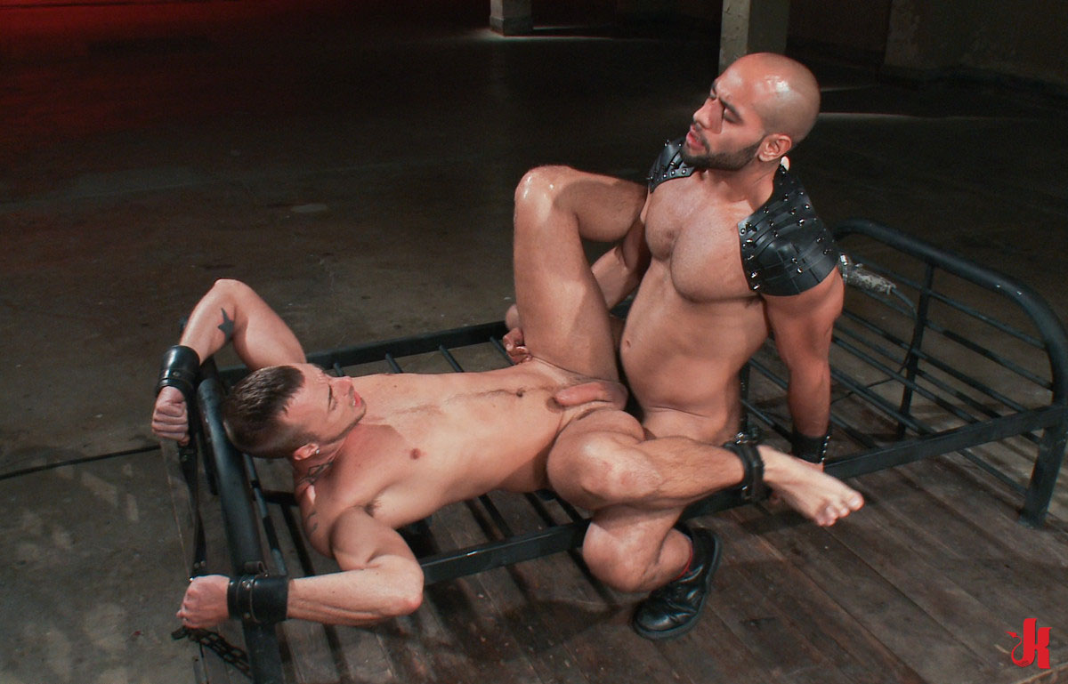 gay hung huge